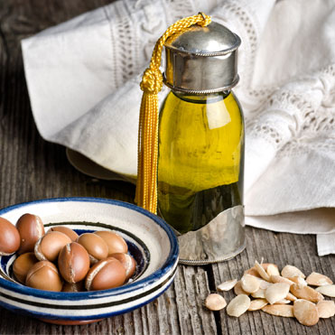 Argan OilArgania SpinosaKnown as the Gold of Morocco • A light oil with smoothing properties • Rich in vitamin E