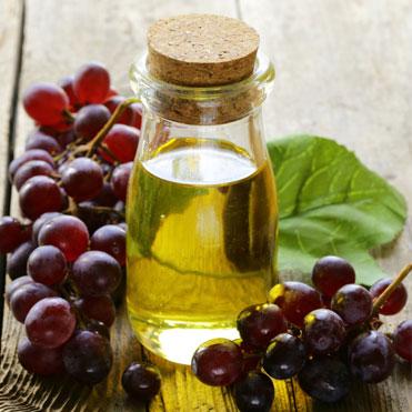 Grapeseed OilVitis ViniferaA light, fine textured oil • Rich in antioxidants to help prevent free radical skin damage